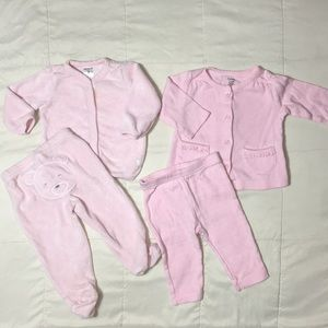 Carters bundle of 2 baby girl outfits size 3 month